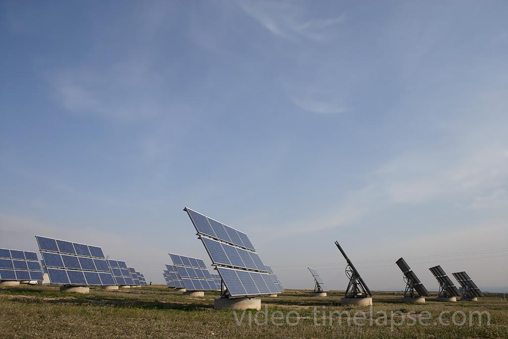 Time-Lapse de placa solares. Industria energía alternativa